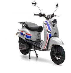 Der Nova Motors eRetro Star nur für kurze Zeit mit kostenlosem Topcase