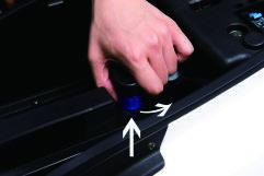 Batterie des Nova Motors S5 Elektrorrollers entfernen