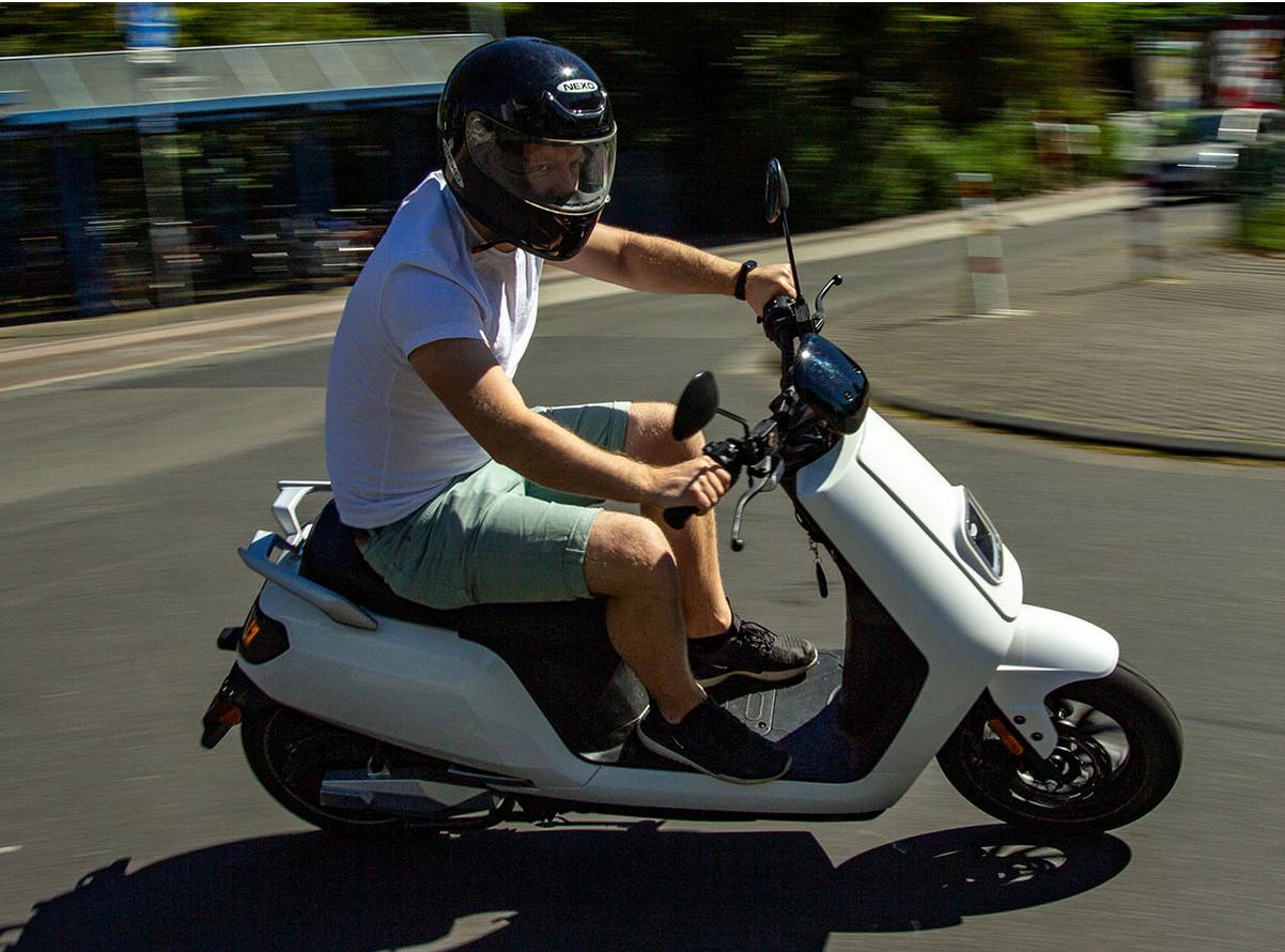 Fahrbericht auf bikerportal24.de zum Nova Motors S5 li Elektroroller